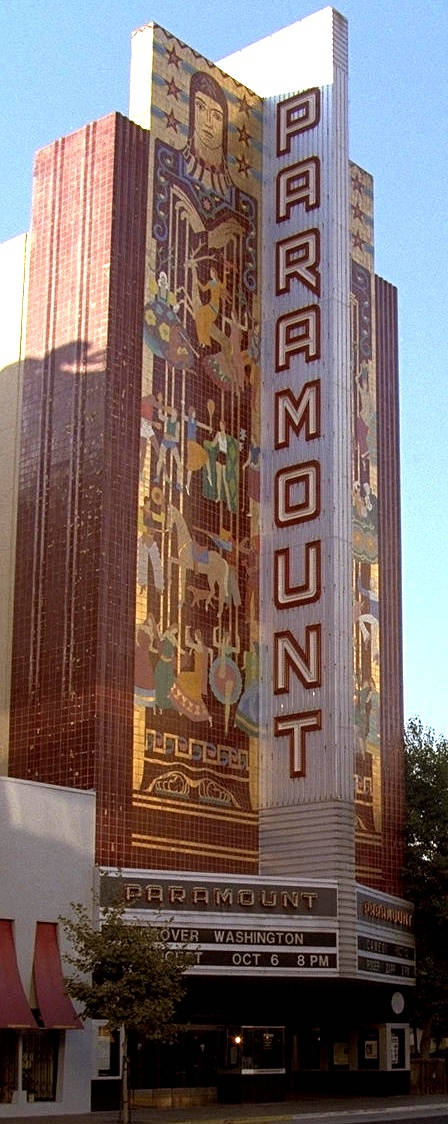 Its Exterior With 110 Foot High Tile Mosaic Of Enormous Figures By Projecting Paramount Sign Which Can Be Seen Up And Down The Street Both Day